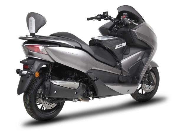 Honda Forza 300 (13-17) Sissybar Siyah Kapaklı (Shad HOFR33RV + DORP00)Shad