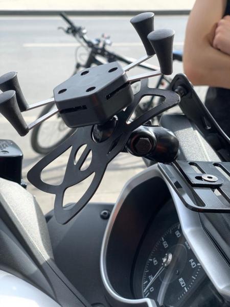 yamaha xmax 2018-2020 x model telefon tutucu ve bağlantı braketi