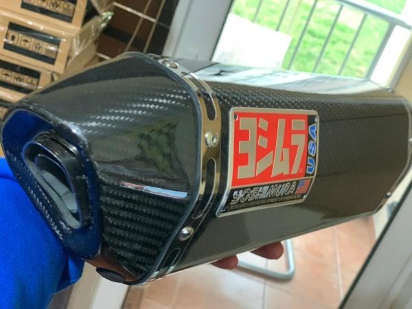 Yoshimura carbon 1.kalite egzoz sağ dan egzozlu motorlara uyumlu